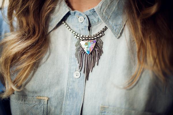 Annabelle Wallis in Dannijo necklace